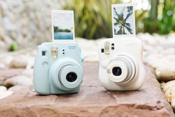 instax-camera-1