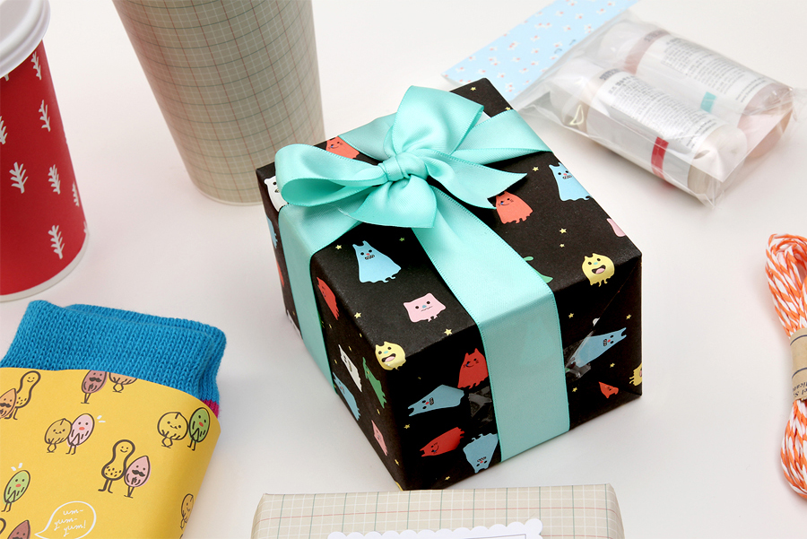 lovable gift wrap 08